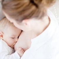 Un tipo de azúcar de la leche materna protegería al bebé contra el estreptococo B