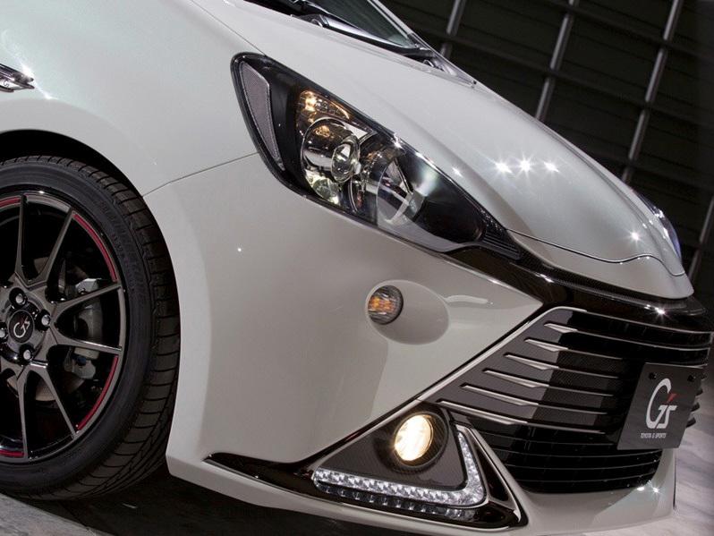 Foto de Prius C deportivo (4/6)