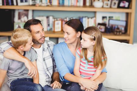 Familia Hablando