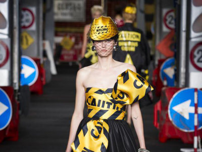 Moschino paraliza el tráfico de Milán con su colección Primavera-Verano 2016