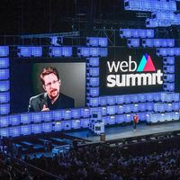 "Edward Snowden considera que Facebook, Amazon y Google cometen ""abusos"": ""No se están explotando datos, se explota a las personas"""