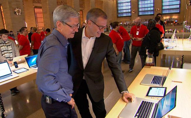 Tim Cook en la App Store de Grand Central