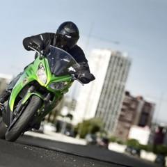 Foto 14 de 52 de la galería kawasaki-er-6f-2012-version-carenada-y-mas-agresiva en Motorpasion Moto