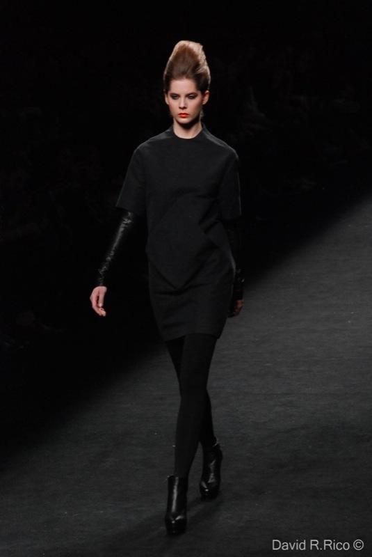 Foto de 080 Barcelona Fashion 2011: segunda jornada con las propuestas para el Otoño-Invierno 2011/2012 (59/99)