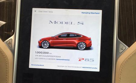 La gesta de este Tesla Model S P85:  más de un millón de kilómetros recorridos, y sólo ha cambiado de batería una vez