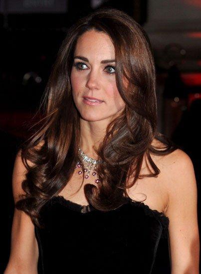 El elegante look de la duquesa de Cambridge en The Sun Military Awards en Londres