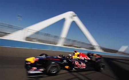 GP de Europa F1 2011: Sebastian Vettel gana y Mark Webber le hace un favor cubriéndole las espaldas