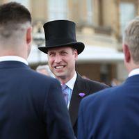 El Príncipe William se enfunda en chaqué y sombrero de copa para la fiesta en los jardines de Buckingham