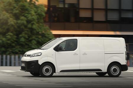 La furgoneta eléctrica en la ciudad: ventajas que la convierten en el vehículo esencial para última milla