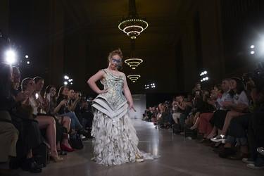 Madeline Stuart hace historia y se convierte en la primera modelo profesional con Síndrome de Down en debutar en la NYFW