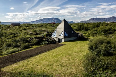 Cottage con forma de pirámide