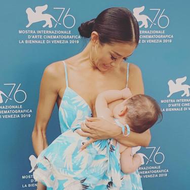 La lactancia materna es bienvenida en todas partes, incluso en el Festival Internacional de Cine de Venecia