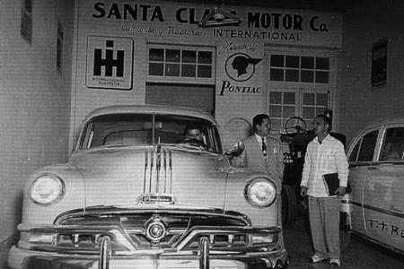Concesionario Pontiac años 50