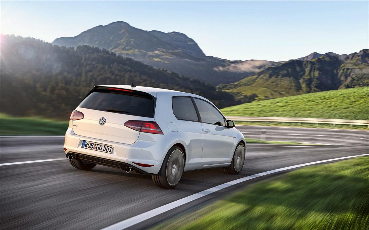 Foto de Volkswagen Golf GTI (2/5)