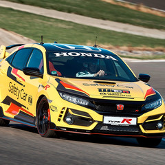 Foto 2 de 9 de la galería honda-civic-type-r-limited-edition-safety-car-wtcr-2020 en Motorpasión