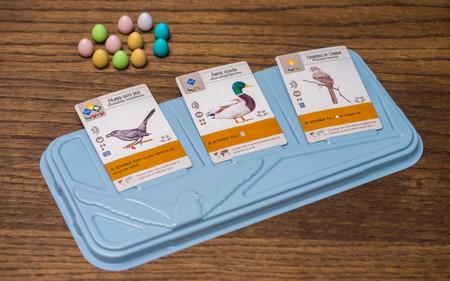 Esta diseñadora americana ha creado un juego de cartas para aprender aves que se vende en Amazon y sus cartas son preciosas