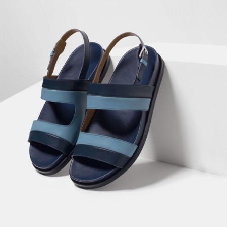 La sandalia a dos tiras