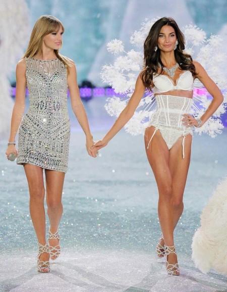¡Qué empiece el espectáculo! Taylor Swift repite en el escenario de Victoria's Secret