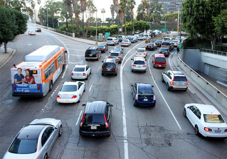 La flota híbrida y eléctrica en California continúa en constante crecimiento