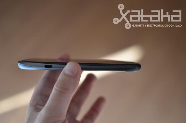 HTC One S análisis grosor del teléfono