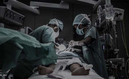 """""""Si lo hace un médico acaba entre rejas, ellos siguen enriqueciéndose"""": cuando la Justicia abandona a los más indefensos"""