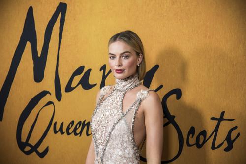 El vestido joya de Margot Robbie que lleva lo de estar maravillosa al siguiente nivel