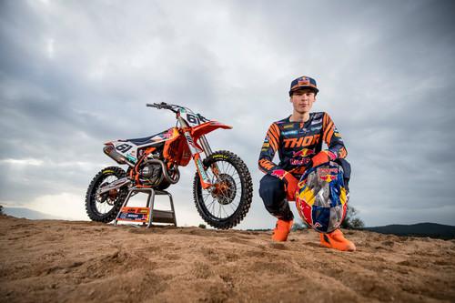 """""""Estoy dispuesto a correr hasta el mes que haga falta"""": Hablamos con Jorge Prado, el rookie aspirante a todo de MXGP"""