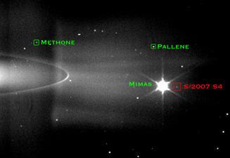 La sonda Cassini descubre un nuevo satélite de Saturno