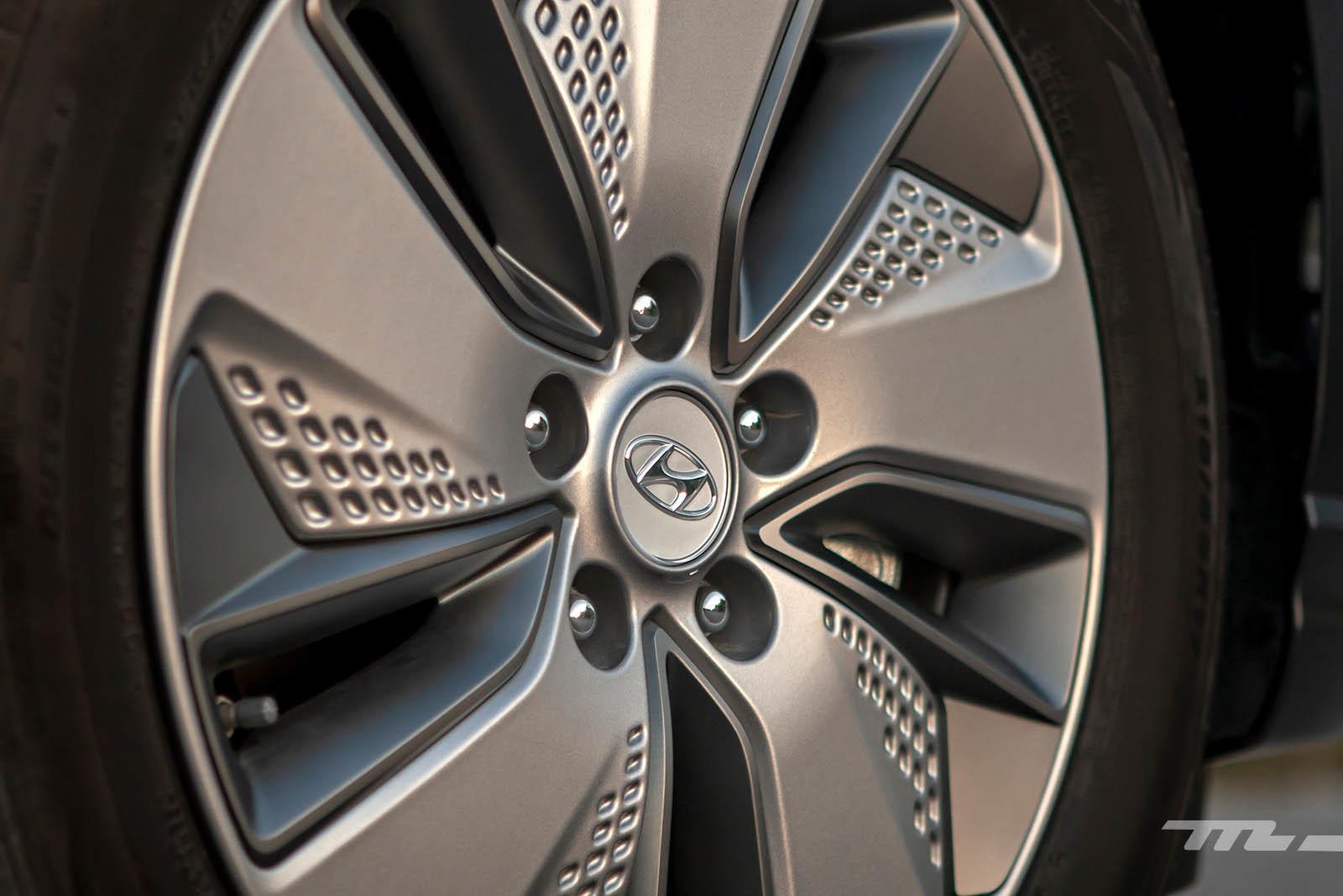 Foto de Hyundai Kona Eléctrico 150 kW (23/26)