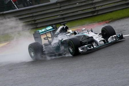 Problemas con los frenos penalizan a Lewis Hamilton en clasificación