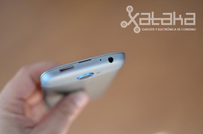 HTC One S análisis conexiones parte superior