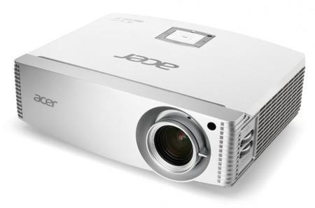 Acer H9505BD, con sus 3.000 lúmenes podrás proyectar tu cine en casa donde quieras