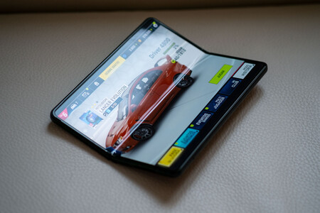 Samsung Galaxy Z Fold3 02 Pantalla 02