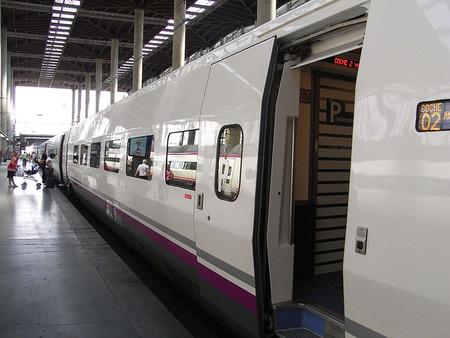 Renfe Empresas, la manera de conseguir las facturas de viajes en tren fácilmente