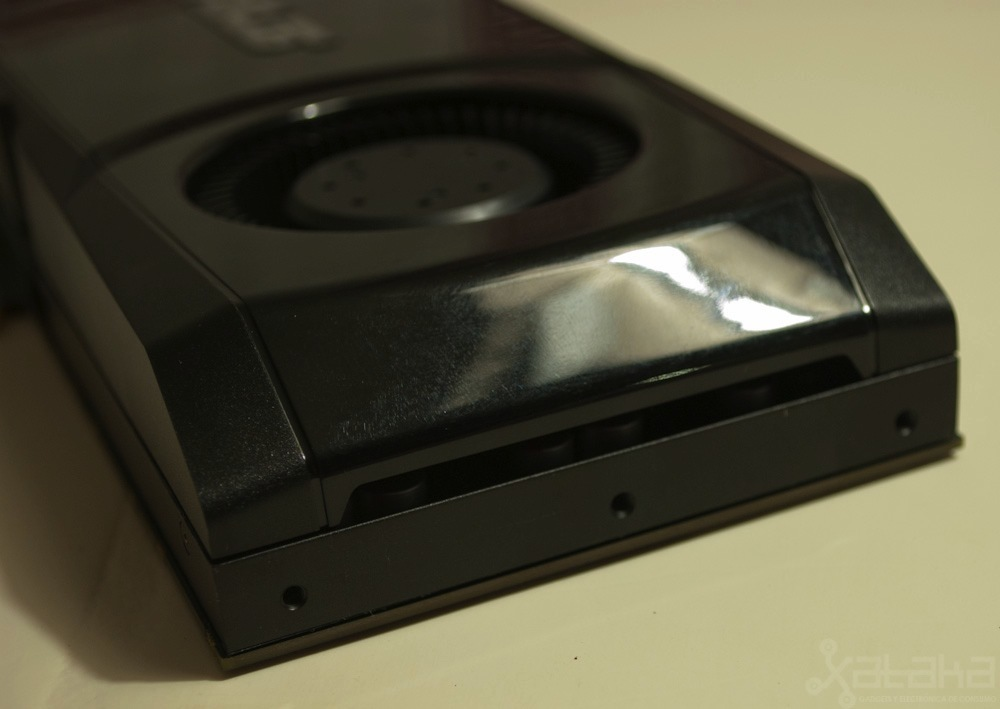 Foto de NVidia GTX 580, análisis (4/10)