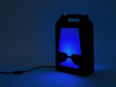 Lámpara Flamp de Hiroshi Tsunoda