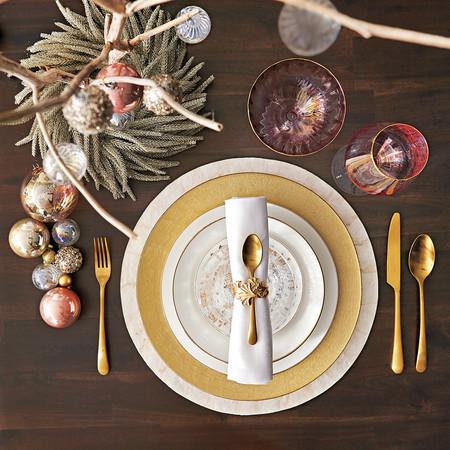Mesa de Navidad dorada