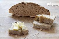 Receta de pan rústico de centeno y miel con masa madre