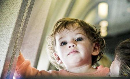 Viajar con niños: en avión y en crucero