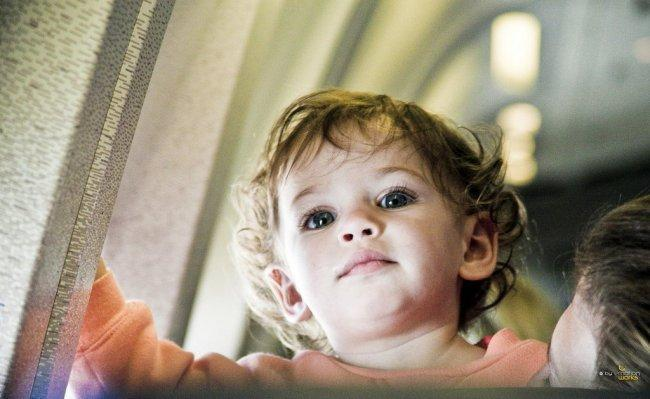 niño-avión