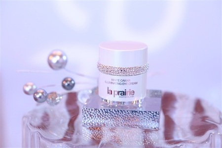 la-prairie-launches-new-white-caviar-products-in-hong-kong