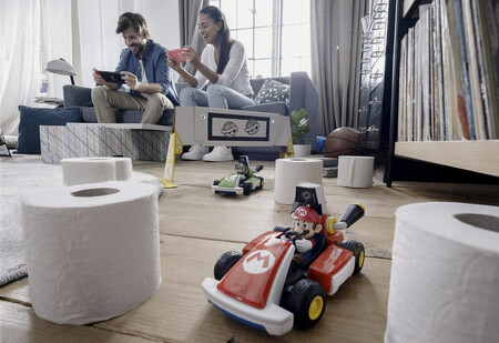 Primeros detalles de Mario Kart Live y sus coches radiocontrol: batería, cómo funciona, tamaño de pistas, derrapes y más