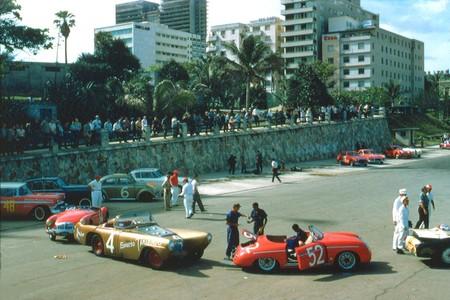 Carreras coches El Malecón