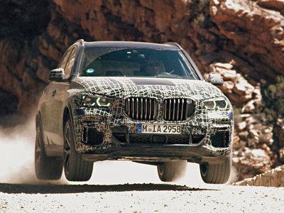 El nuevo BMW X5 quiere convertirse en el SUV más completo y para ello está recorriendo medio mundo