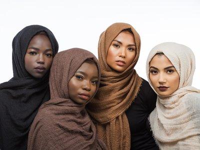 Un hiyab para cada tono de piel que muestra la diversidad del mundo musulmán