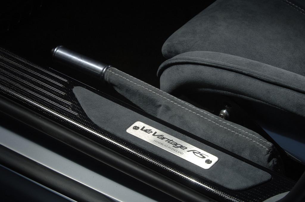 Foto de Aston Martin V12 Vantage RS (23/29)