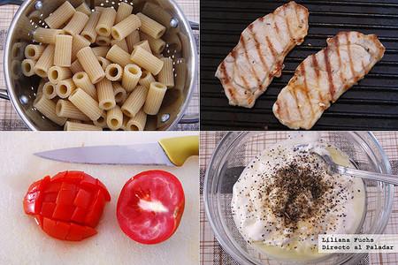 Ensalada de pasta integral y pavo de inspiración griega. Pasos