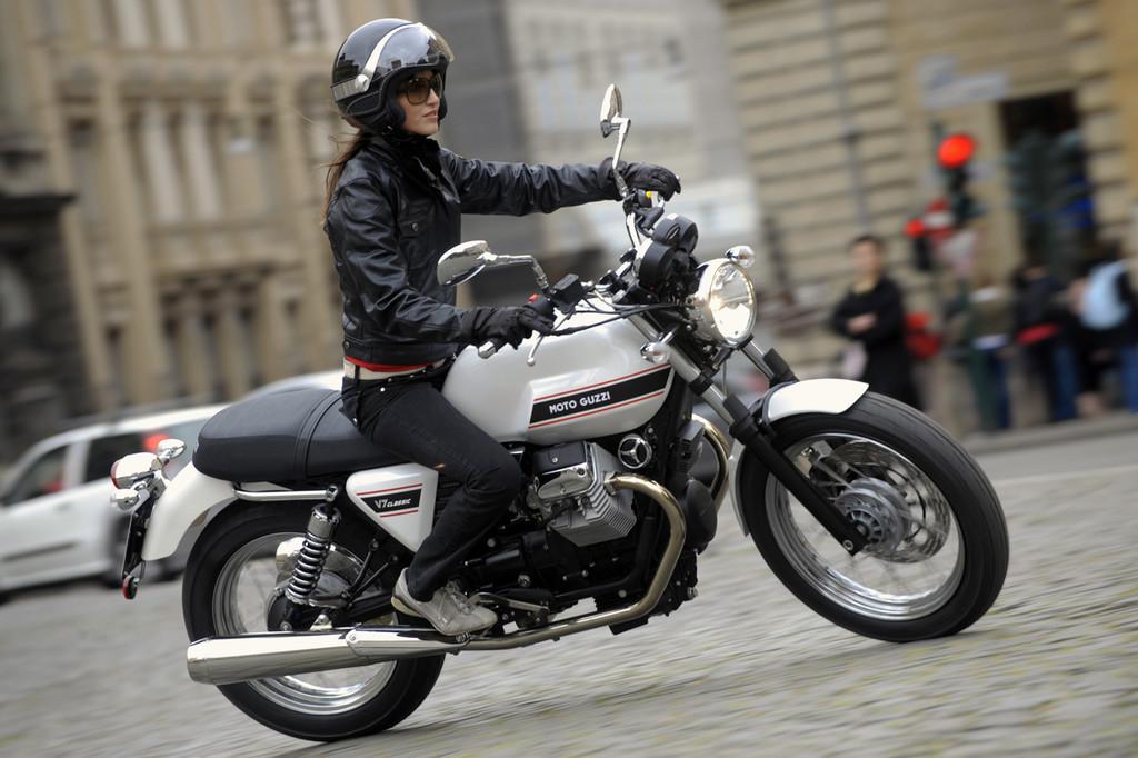 Foto de Moto Guzzi V7 Classic (5/42)
