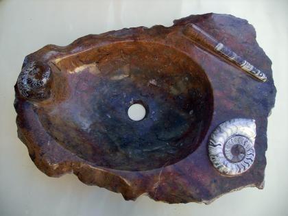 Lavabos de piedra y fósiles
