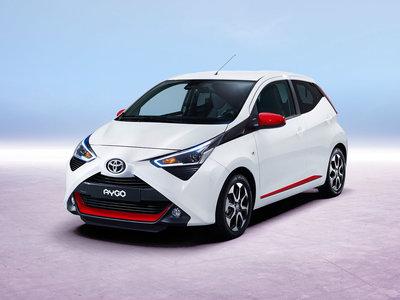 El Toyota Aygo se lava la cara a conciencia y pierde el aspa por el camino